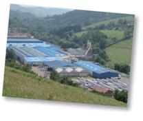 Au coeur des monts du lyonnais, le siège social de menuiseries françaises est implanté sur le site industriel des ets Giraud fabricant de menuiseries PVC et Aluminium