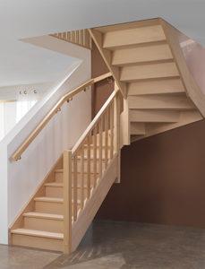 escalier en bois PMR