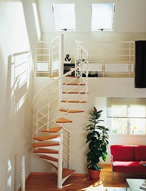 escalier hélicoïdale mixte ambiance fusion bois et métal blanc